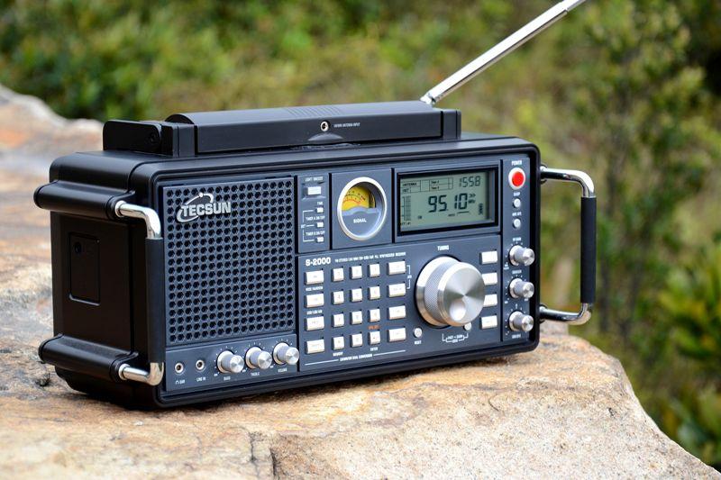德生S2000收音机在野外